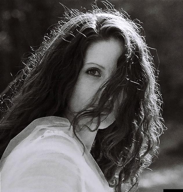 Felicia Farerre