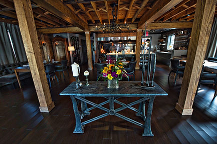Three-Blacksmiths-Dining room 7.jpg