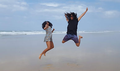 Jump for joy when learning English 4 x Faster Nisha and Shantam Ambesh