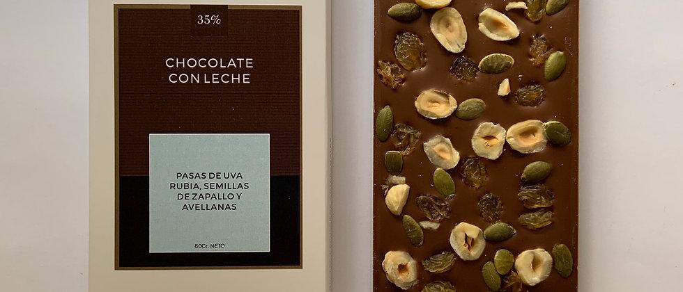 Chocolate con leche con pasas de uva rubia, semillas de zapallo y avellanas
