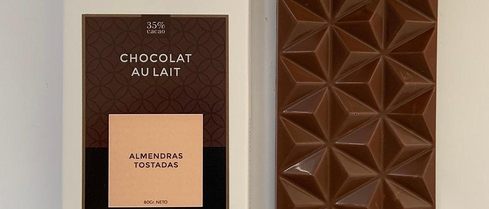 Chocolate con leche con almendras