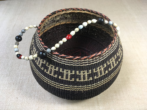 Setu Basket w/beaded handle (small)