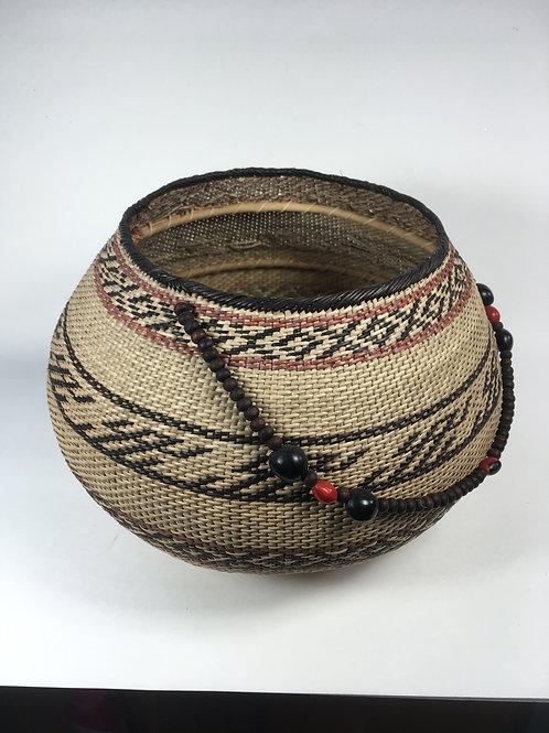 Setu Basket w/beaded handle