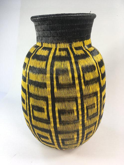 Wounaan Woven Basket w/modern design (medium)