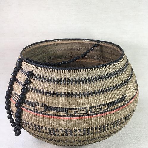 Setu Basket w/Beaded Handle (x-large)