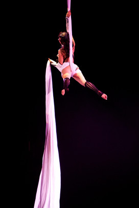 Dancing-5927-2.jpg