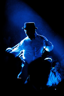 Dancing-5656.jpg