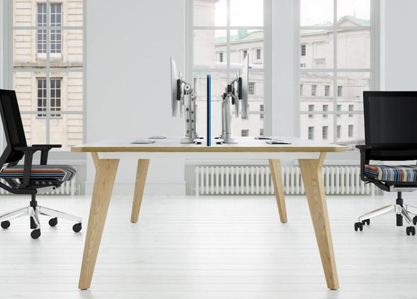 luxe-office-desks-office-chairs-3.jpg