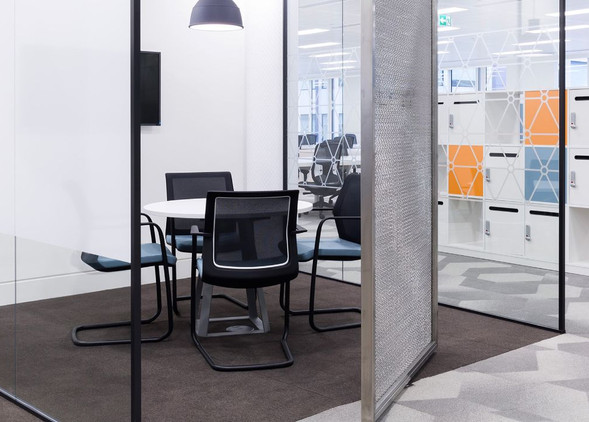 workday-meeting-furniture-4.jpg