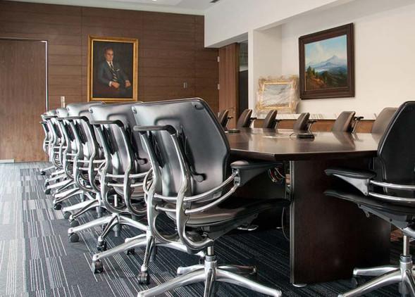 freedom-office-desks-office-chairs-1.jpg