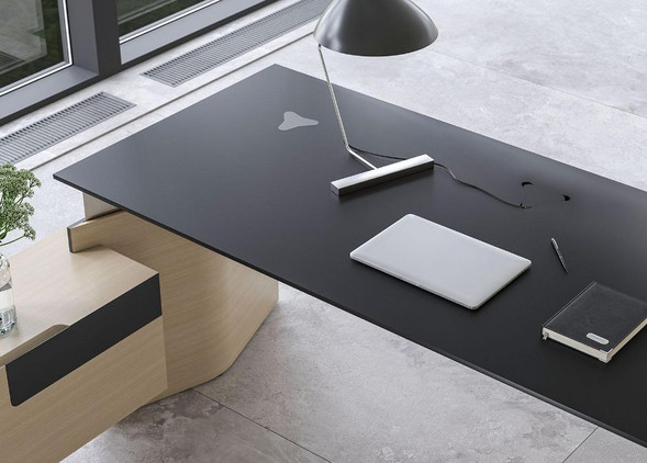 move-executive-office-desks-office-chairs-5.jpg