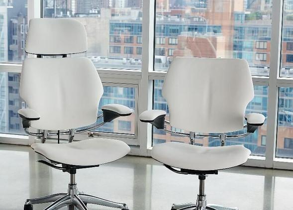 freedom-office-desks-office-chairs-4.jpg