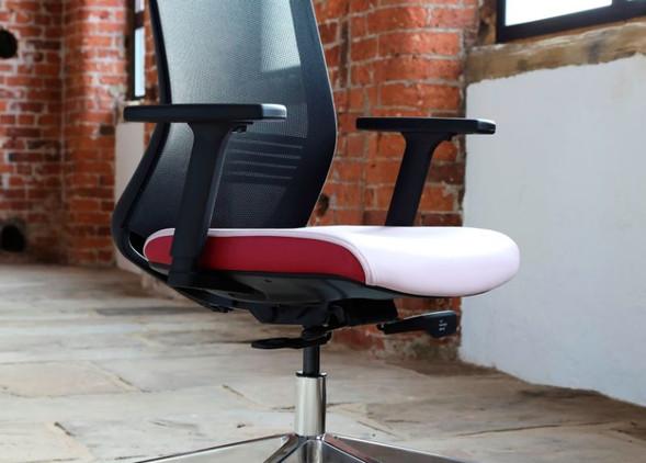 vida-office-desks-office-chairs-1.jpg