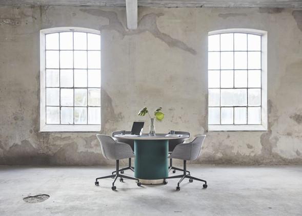woofer-meeting-furniture-3.jpg