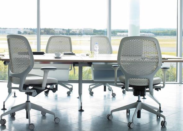 ara-office-desks-office-chairs-1.jpg