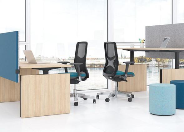 motion-office-desks-office-chairs-3.jpg