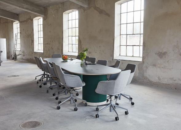 woofer-meeting-furniture-2.jpg