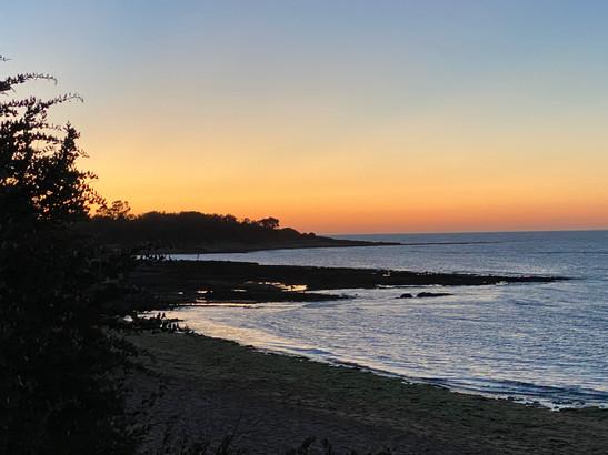 Couché de soleil sur la plage des Boulassiers