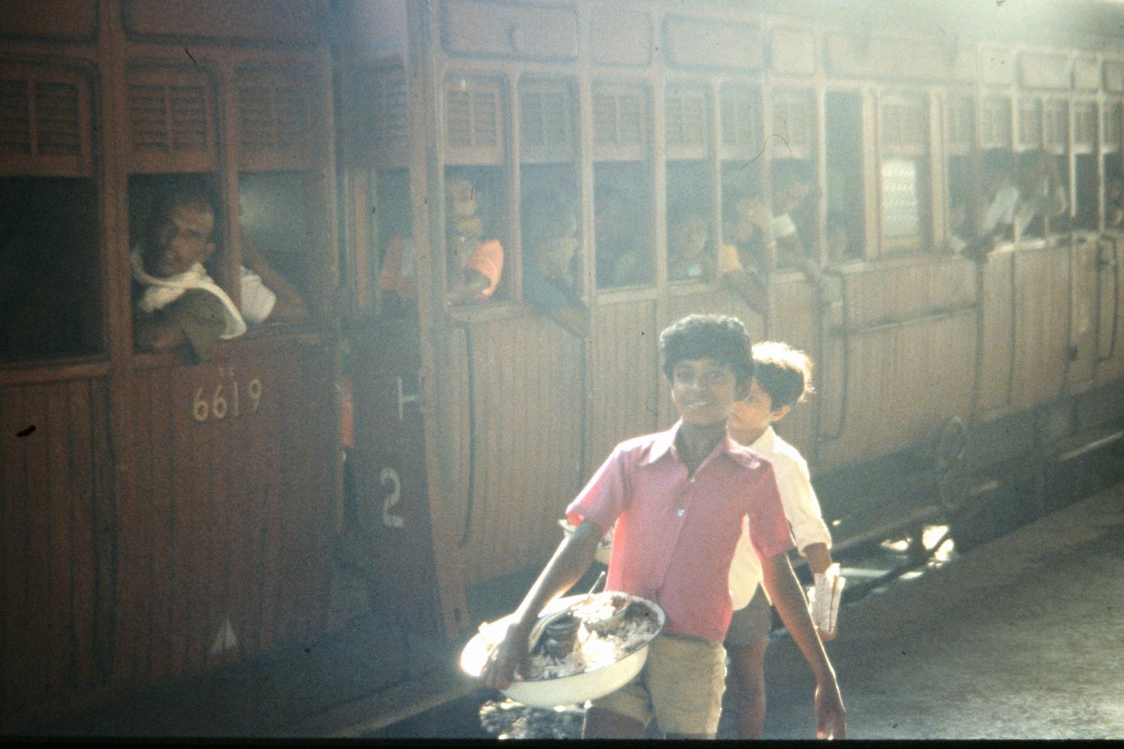 sri lanka train kids