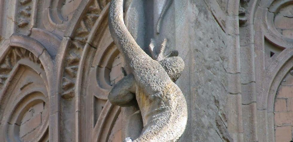 Sagrada Familia exterior tour