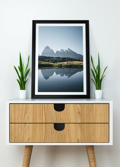 spiegelung-bergsee-berge-seiseralm-dolom