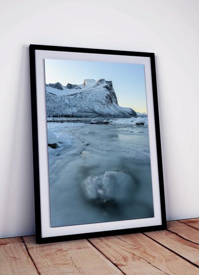 sunrise-eis-berge-norwegen-senja-fjord.j