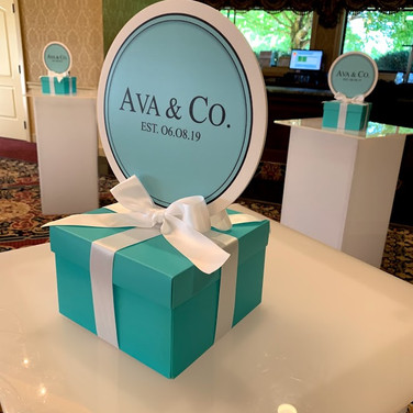 ava's 'fave color' bat mitzvah centerpiece