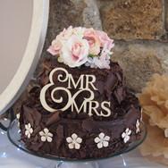 'jeans casual' denim wedding cake