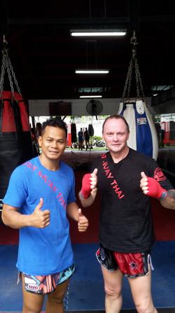 Neil & Trainer - Yokkao 1