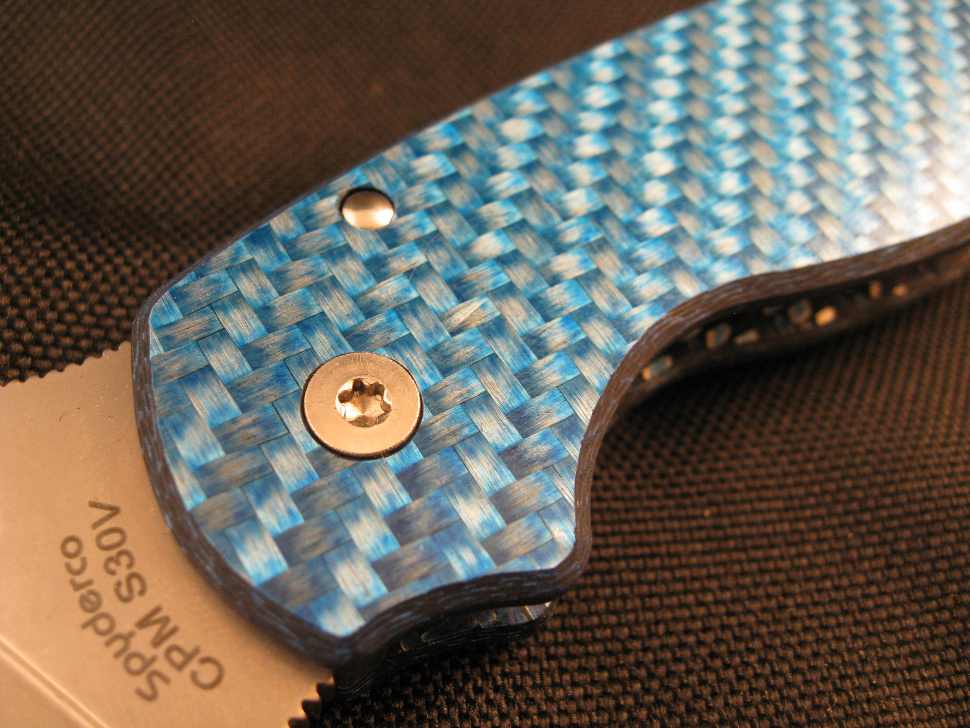 Spyderco Para 3 Ice Blue Twill Custom Scales