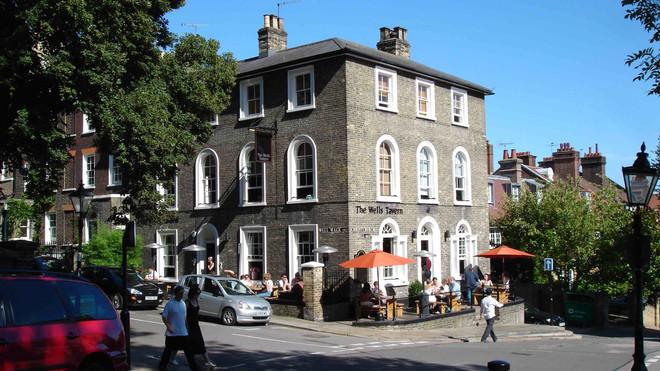 Hampstead_Wells_Pub.jpg