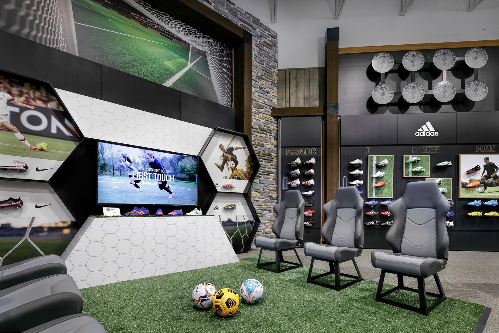 SoccerExpDicks-2422.jpg