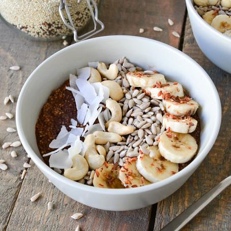Schokoladige Quinoa-Frühstücks-Bowl