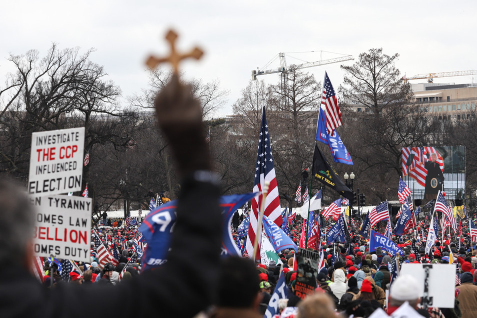 """Pro-Trump Supporters gather revolving the Washington Monument on Jan. 6 for """"Save America"""" rally protesting against the presidential election fraud."""