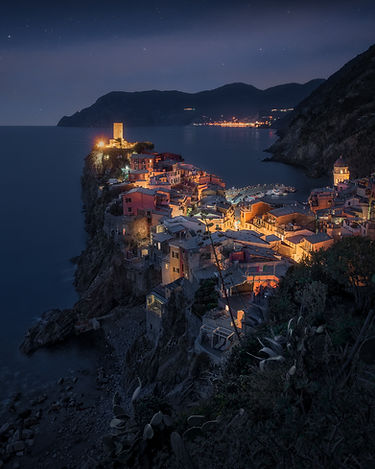 vernazza night (1 of 1)-3.jpg