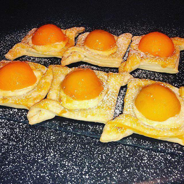 Peaches and cream delights
