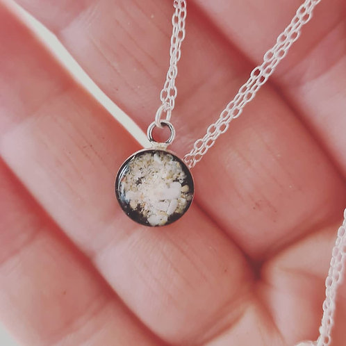 Sterling silver round pendant (size 10mm)