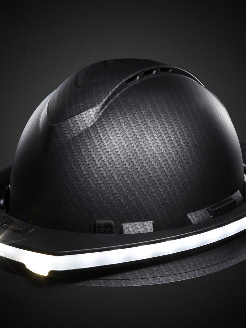 SL-プロダウト-ヘルメット着用.jpeg