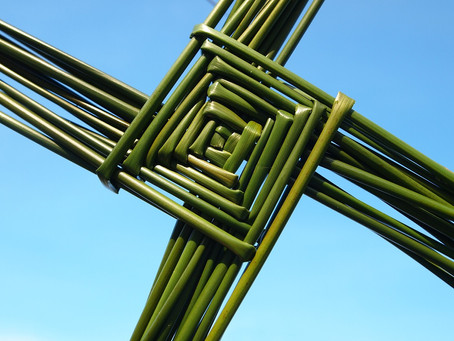 Making a St Brigid's Cross With Nora