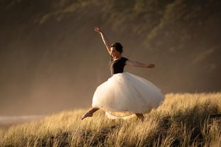 Dancing in the dunes by NZtonez