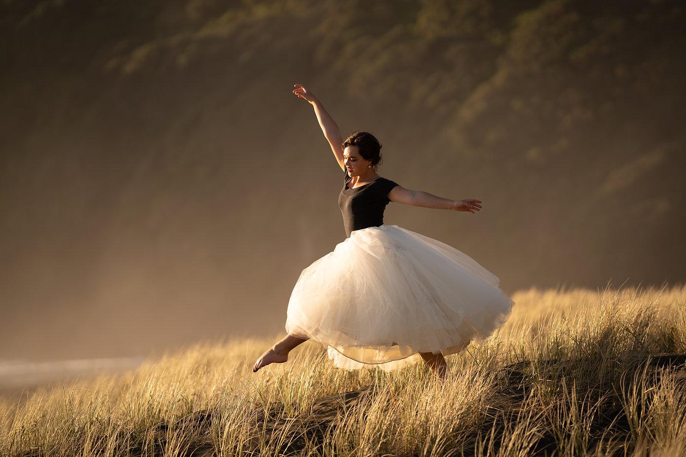 Dancing in the dunes (1).jpg