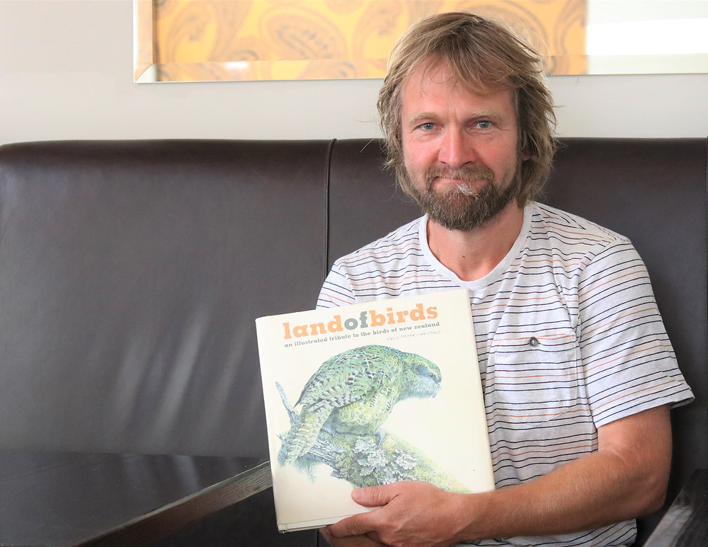 Niels Meyer-Westfeld with his book Land of Birds