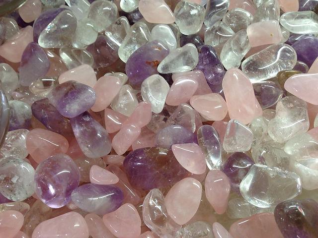 amethyst and rose quartz-378374_1920.jpg