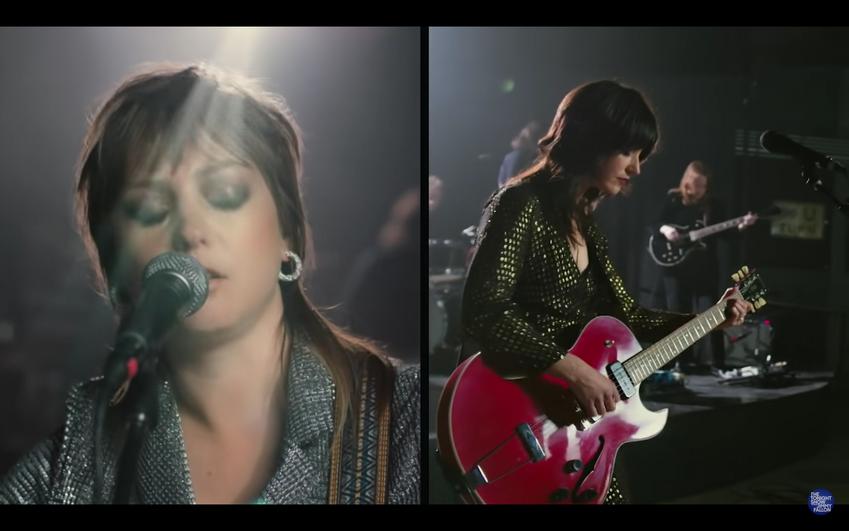 """Sharon Van Etten & Angel Olsen """"Like I Used To"""" Music Video"""