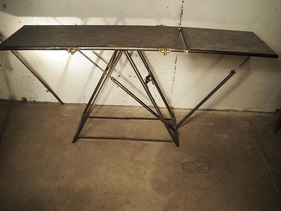 Ancienne table militaire médicale