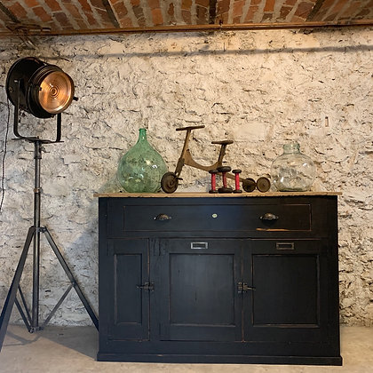 Ancien meuble de métier