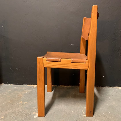 4 chaises vintage en cuir