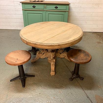 Table style Henri II en chêne brut