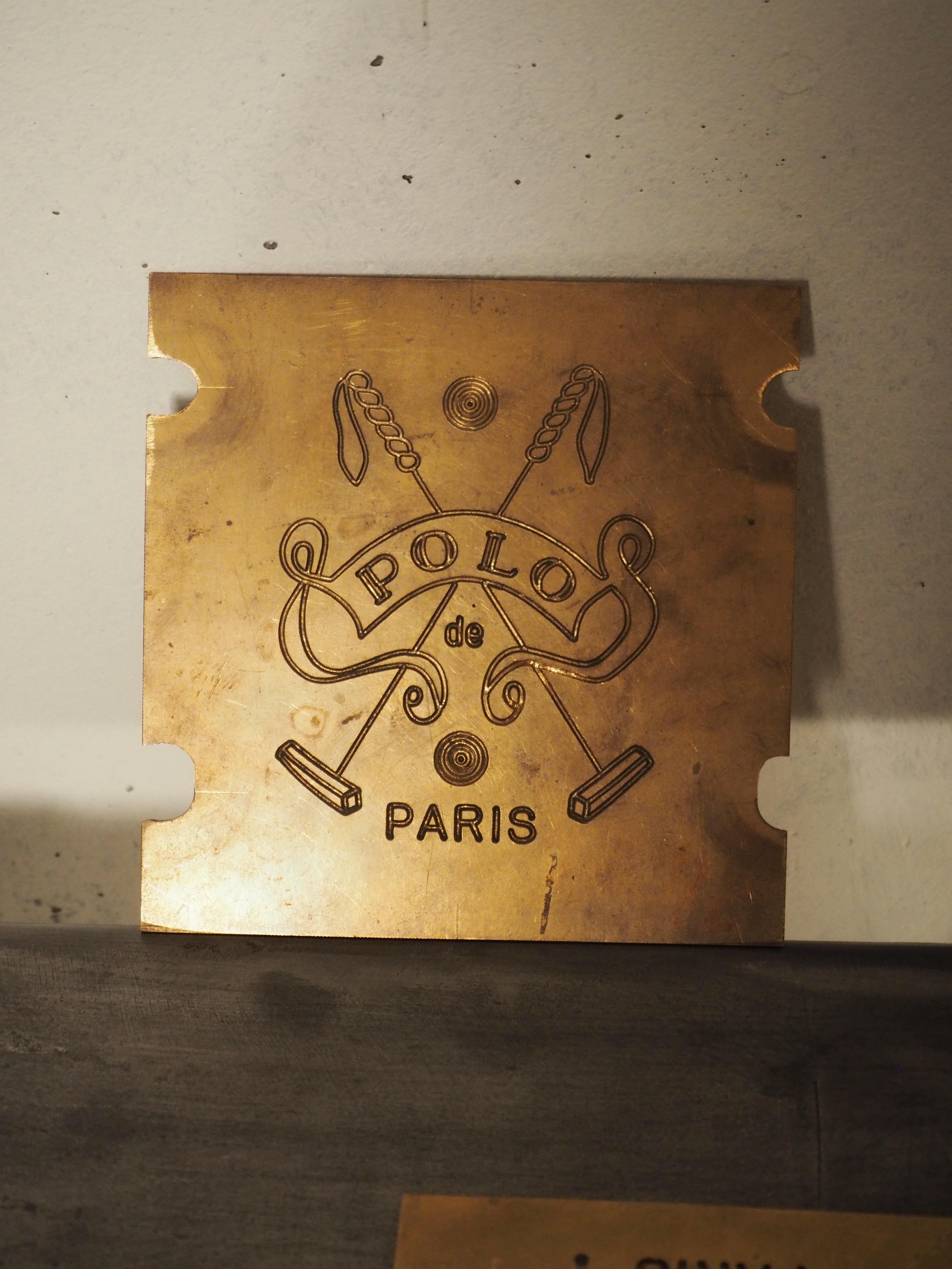 Moule plaque polo parisP1010076