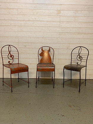 Chaises artisanales en acier
